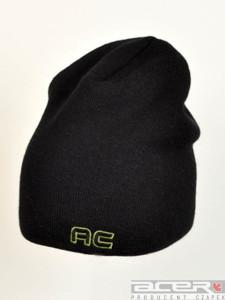 Zimowa czapka z haftem